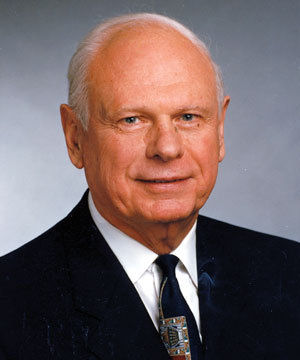 Photo of Paul Hellyer